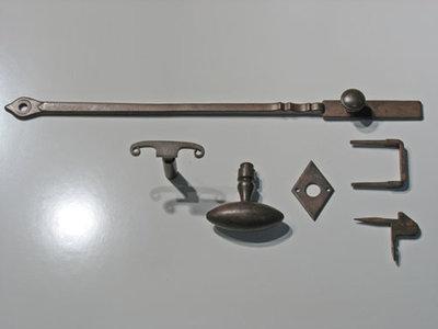 Staldeursluiting ijzer geroest (groot model)