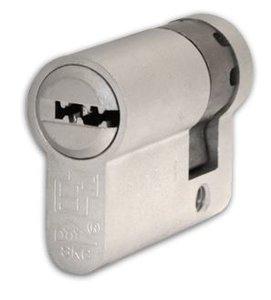 Enkele veiligheidscilinder S2 SKG** 45/10 Met Keersleutel