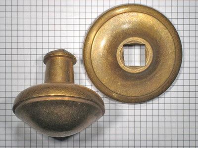 Deurknop Brons Antiek.Deurknop Brons Antiek Scherp Geprijsd
