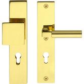 SKG3-Veiligheid-garnituur-rechthoek-massief-greep-kruk-PC55-messing-gelakt
